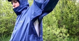 Roztržený šev na kalhotách,tričku,mikině,bundě...