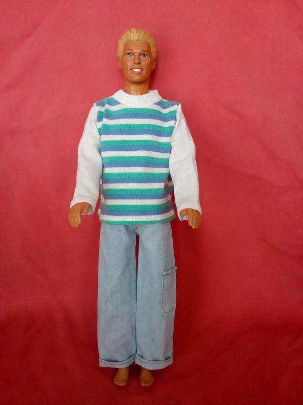 Oblečení pro Kena- mikina, džíny